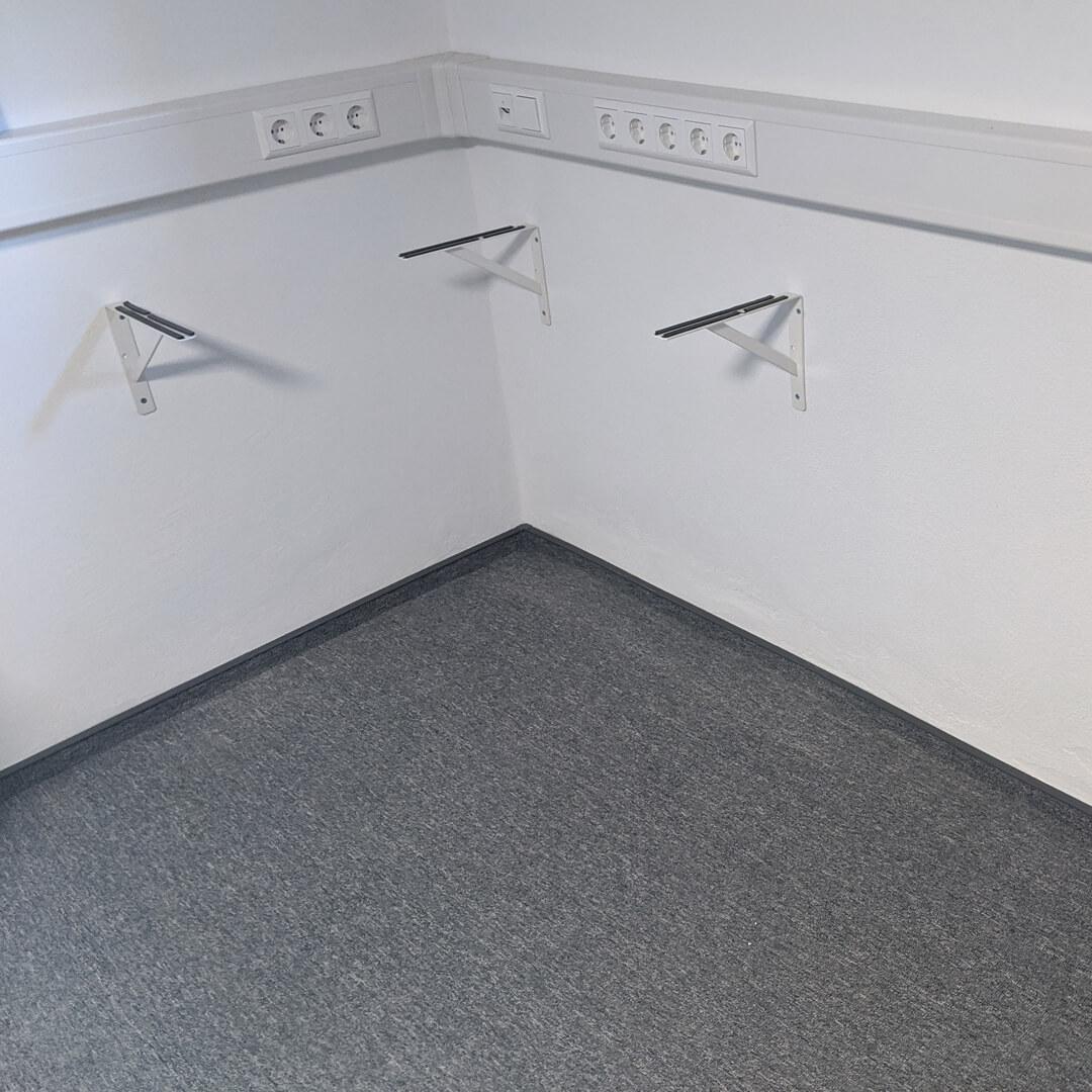 Gaming Room 17 - Schreibtisch 2